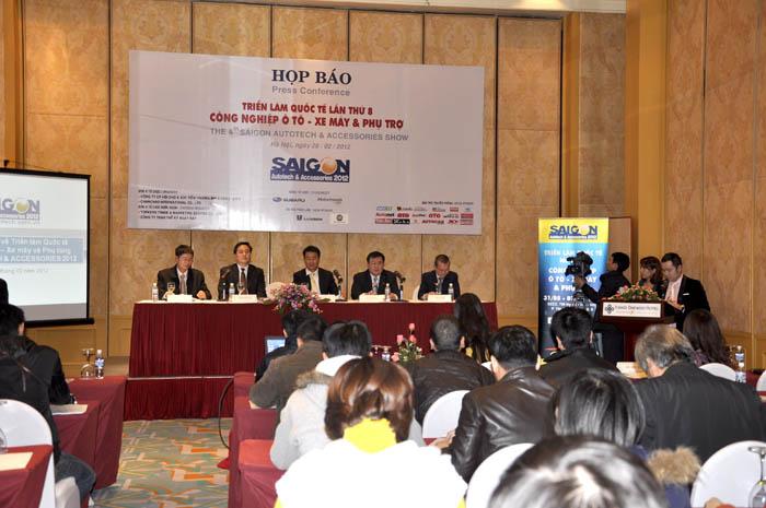 Họp báo giới thiệu Triển lãm Ô tô, xe máy và Phụ trợ - Saigon Autotech 2012 tại Hà Nội