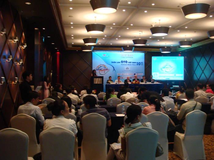 Họp báo giới thiệu Triển lãm Ô tô Việt Nam - Vietnam Motor Show 2011 tại Sài Gòn