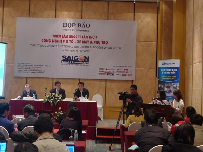 Lễ Họp báo giới thiệu Triển lãm Saigon Autotech 2011 tại Hà Nội